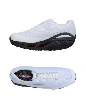 Низкие кеды и кроссовки MBT. Цвет: белый