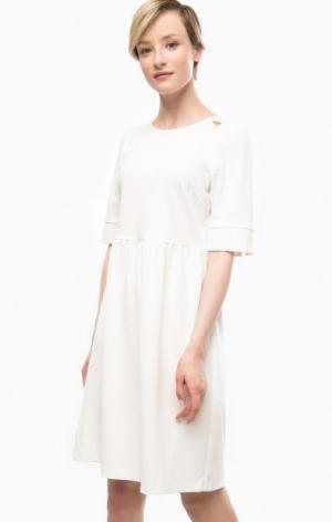 Белое платье с короткими рукавами POIS. Цвет: белый