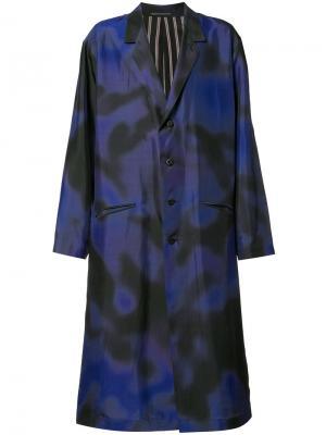 Пальто с принтом Yohji Yamamoto. Цвет: синий