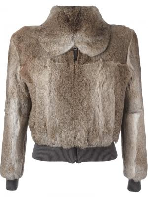 Укороченная меховая куртка JW Anderson. Цвет: телесный
