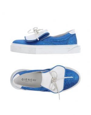 Низкие кеды и кроссовки GIENCHI. Цвет: синий
