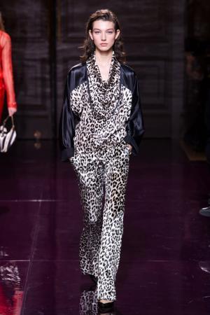 Комбинированная блузка Nina Ricci. Цвет: черный, леопардовый
