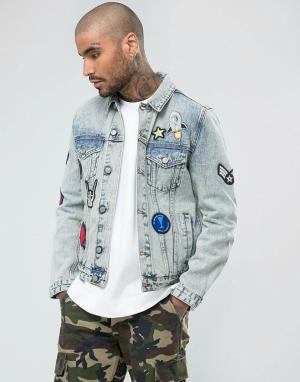 ASOS Выбеленная джинсовая куртка с нашивками. Цвет: синий