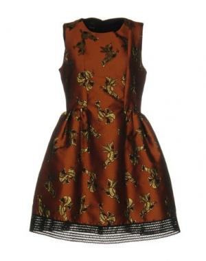 Короткое платье PINKO. Цвет: коричневый