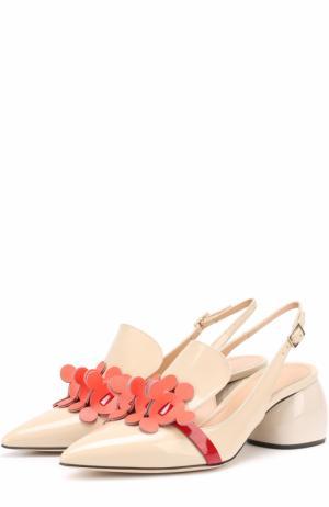 Лаковые туфли на фигурном каблуке Anya Hindmarch. Цвет: бежевый
