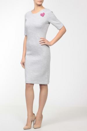 Платье джерси, брошь Markus Lupfer. Цвет: серый