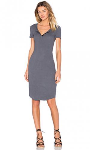 Платье на пуговицах из ткани в рубчик с коротким рукавом MONROW. Цвет: серый