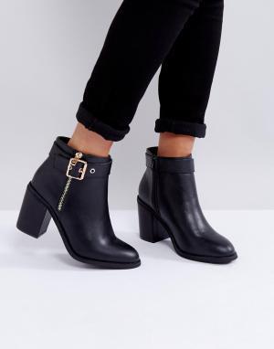 Miss KG Ботинки на каблуке с металлической отделкой. Цвет: черный
