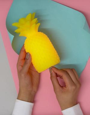 Sunnylife Светильник в виде ананаса из воска. Цвет: мульти