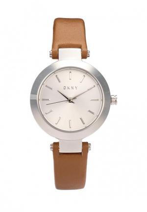 Часы DKNY. Цвет: коричневый