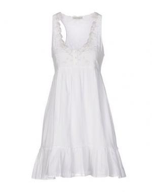 Короткое платье AMBRE BABZOE. Цвет: белый
