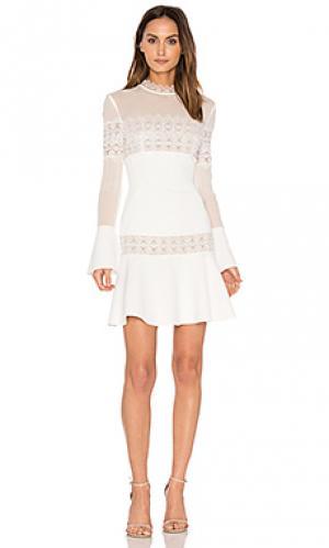 Расклешенное мини платье из крепа NICHOLAS. Цвет: белый