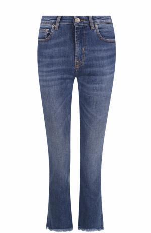 Укороченные расклешенные джинсы с потертостями Two Women In The World. Цвет: голубой