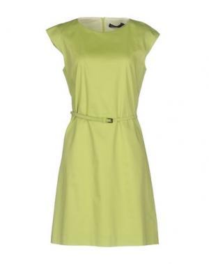 Короткое платье FABRIZIO LENZI. Цвет: кислотно-зеленый