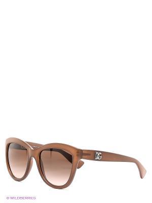 Очки солнцезащитные DOLCE & GABBANA. Цвет: коричневый