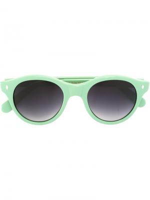 Солнцезащитные очки в круглой оправе Cutler & Gross. Цвет: зелёный