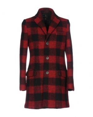 Пальто GUTTHA. Цвет: красный
