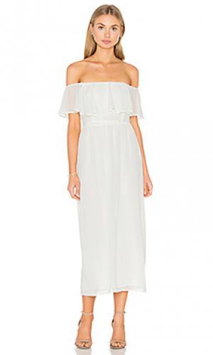Платье со спущенными плечами WAYF. Цвет: ivory