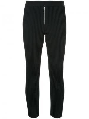 Плиссированные брюки Irene. Цвет: чёрный