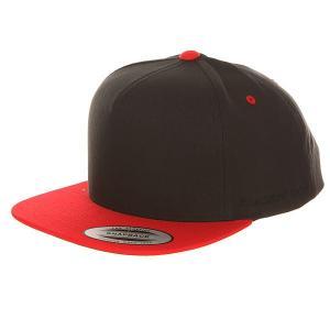 Бейсболка с прямым козырьком  6007T Red/Black Flexfit. Цвет: черный,красный