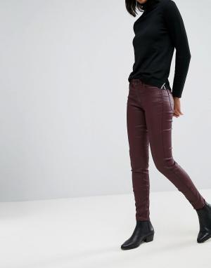 Esprit Джинсы с покрытием. Цвет: красный