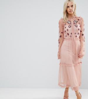 Frock and Frill Petite Платье макси с вышивкой, оборкой по краю и завязкой Pe. Цвет: розовый
