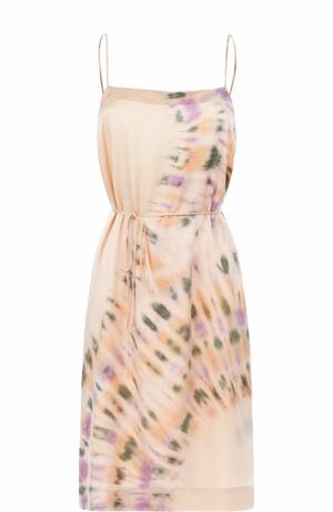 Шелковое приталенное платье с принтом Raquel Allegra. Цвет: розовый