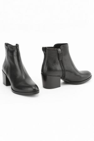 Ботинки Julie Dee. Цвет: черный