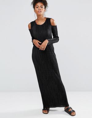 Liquorish Платье макси с длинными рукавами и открытыми плечами. Цвет: черный