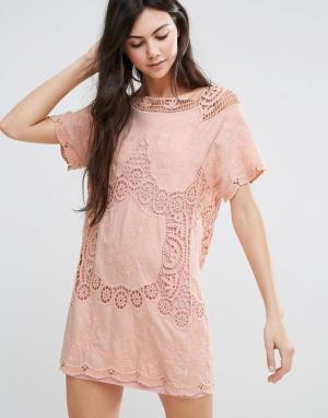 Endless Rose Цельнокройное платье с короткими рукавами. Цвет: розовый