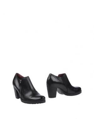 Ботинки NOVELTY. Цвет: черный