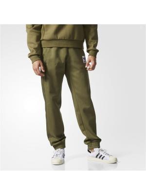 Трикотажные брюки муж. BRAND PANT Adidas. Цвет: зеленый