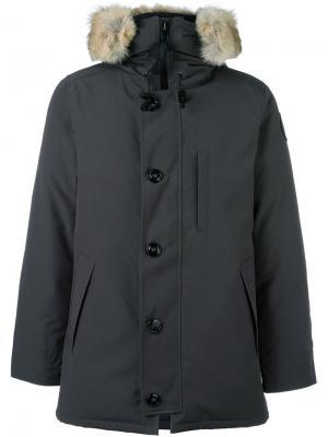 Пальто-пуховик с меховой оторочкой Canada Goose. Цвет: серый