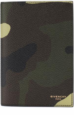 Обложка для паспорта с камуфляжным принтом Givenchy. Цвет: хаки