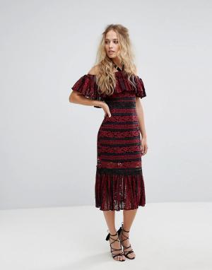 Foxiedox Кружевное платье миди с открытыми плечами и баской. Цвет: красный