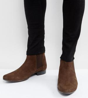 ASOS Коричневые замшевые ботинки челси для широкой стопы. Цвет: коричневый