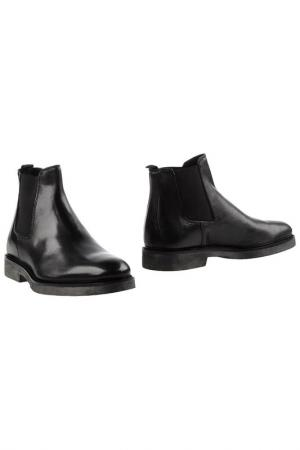 Ботинки BORGO MEDICEO. Цвет: черный