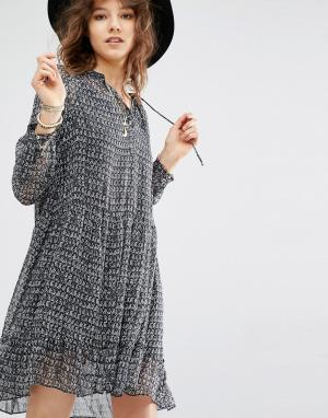 Maison Scotch Полупрозрачное платье мини. Цвет: серый