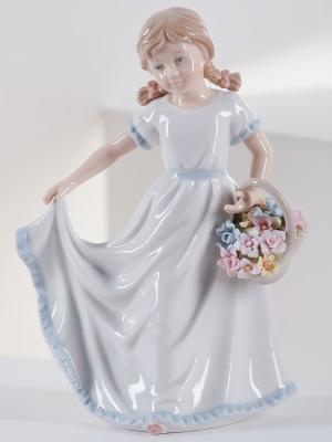 Фигурка Девочка с корзинкой Pavone. Цвет: голубой