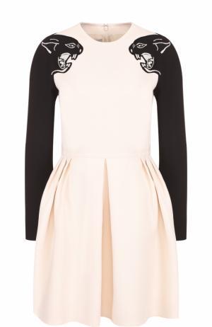 Приталенное мини-платье с длинным рукавом Valentino. Цвет: черно-белый