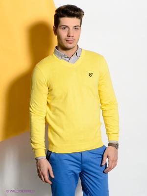 Пуловер Lyle&Scott. Цвет: желтый