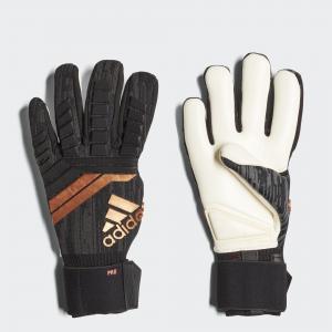 Вратарские перчатки Predator 18 Pro  Performance adidas. Цвет: красный