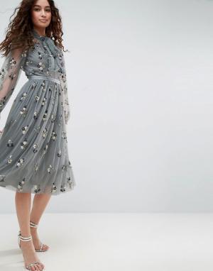 Needle & Thread Платье с завязкой, длинными рукавами и цветочной отделкой Thr. Цвет: синий