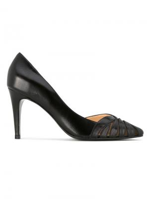 Туфли с заостренным носком Serpui. Цвет: чёрный