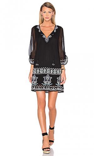 Платье sarita Tolani. Цвет: черный