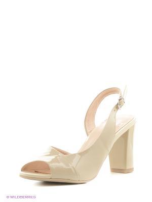Босоножки на каблуке Caprice. Цвет: светло-бежевый