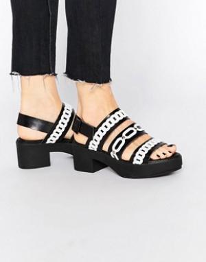 Eeight Черные кожаные сандалии с отделкой цепочками Suri. Цвет: черный