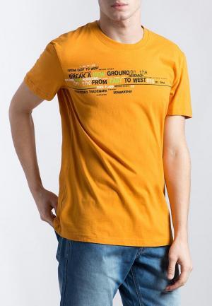 Футболка Finn Flare. Цвет: оранжевый
