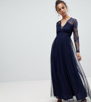 ASOS Petite Кружевное платье макси с длинными рукавами. Цвет: темно-синий