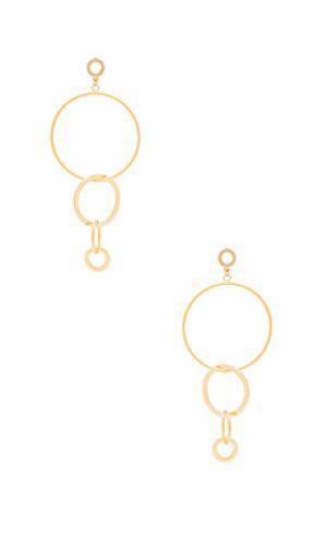 Серьги с подвесными кольцами Ettika. Цвет: металлический золотой